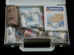 first-aid-kit-62643_640 (2)
